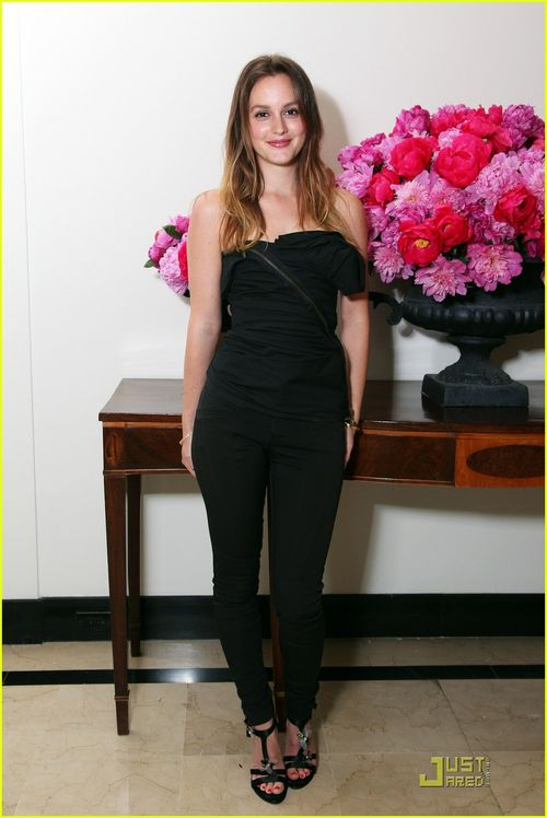 Leighton-meester-lovestruck-launch-with-vera-wang-01
